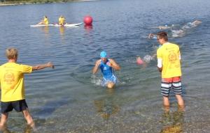 Schwimmaustieg als erster Einzelstarter
