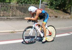 Olympische Distanz Tübingen - auf dem Rad nur das Führungsmotorrad in Sicht